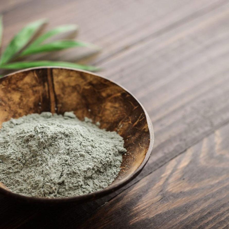 argila verde no pote