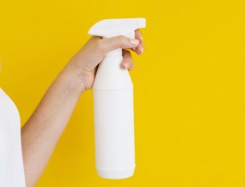 Como fazer água de lençol com óleo essencial?