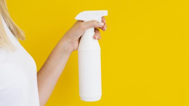 fazer água de lençol com óleo essencial