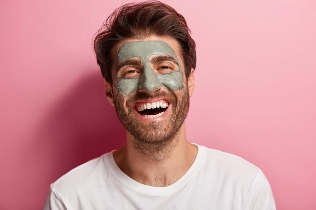 máscara e argila natural para o rosto