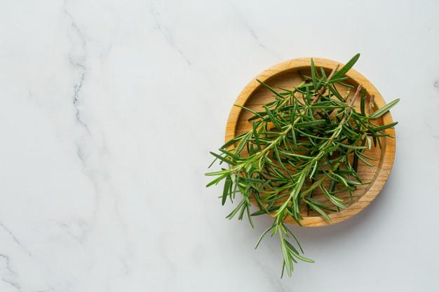 óleo essencial de alecrim para aromatizador